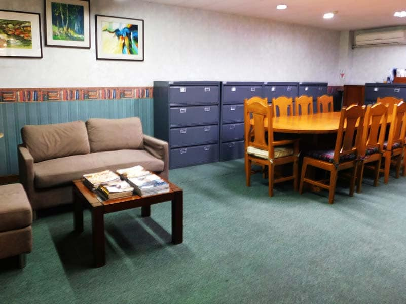 Business Lounge 1